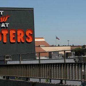 hooters_bankruptcy_2012